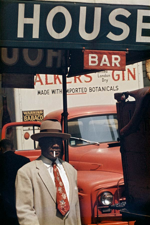 Saul Leiter, Harlem, 1960 © Saul Leiter. Courtesy Howard Greenberg Gallery, New York
