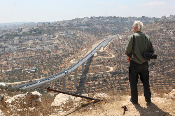 Josef Koudelka in Israel/Palestine. Still from Koudelka: Shooting Holy Land, 2015 © Gilad Baram